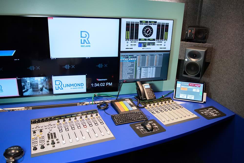 Rijnmond Reportagewagen buitenkant / OB van / Axia Fusion / Triple Audio